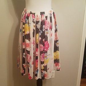 SOLD-Feminine floral shirt